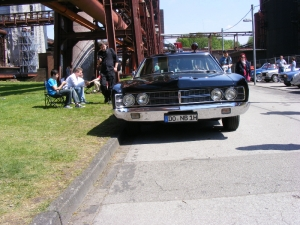 ford-custom-police-car-1970-2