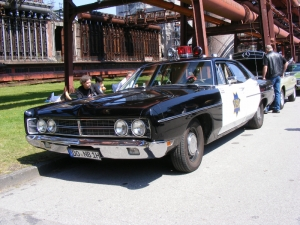 ford-custom-police-car-1970-3