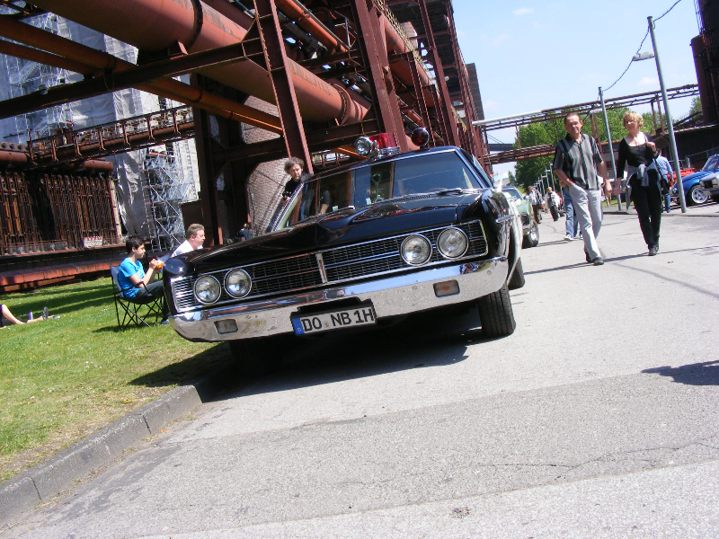 ford-custom-police-car-1970-1