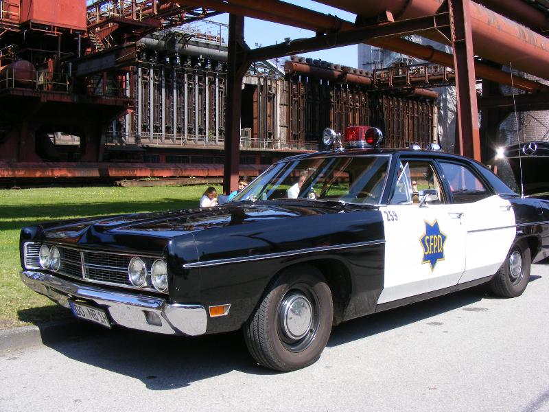 ford-custom-police-car-1970-4