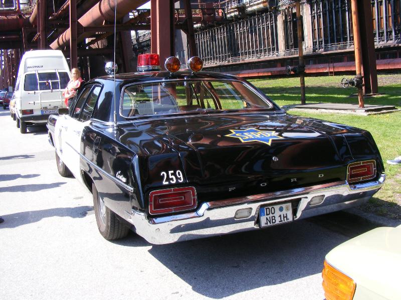 ford-custom-police-car-1970-9